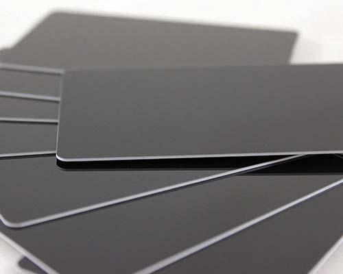 Plastikkarten, 86 x 54 x 0,76 mm, schwarz glänzend, 100 Karten pro Pack